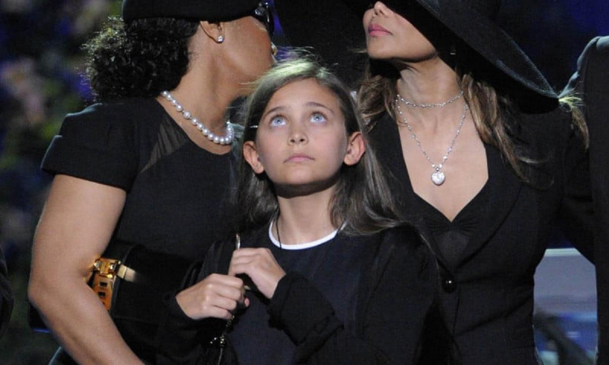 A crescut în atenția publicului. Cum arată la 22 de ani Paris, fiica rebelă a lui Michael Jackson