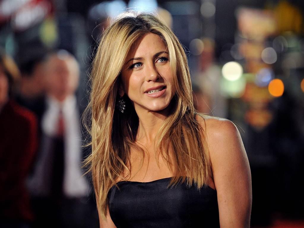 """Mesajul actriței Jennifer Aniston, după ce s-a vaccinat: """"Din păcate, nu toţi sunt la fel de norocoși"""""""