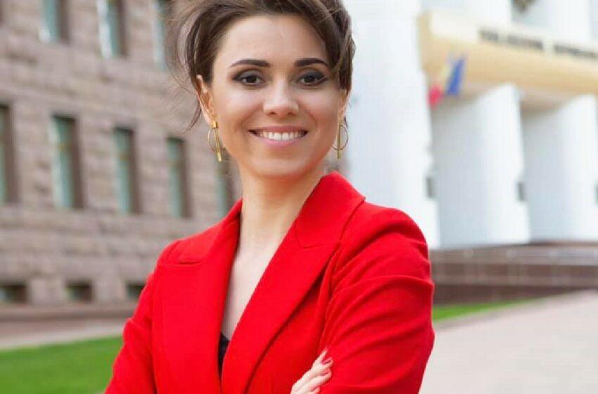 Prima imagine cu Natalia Morari după ce a născut
