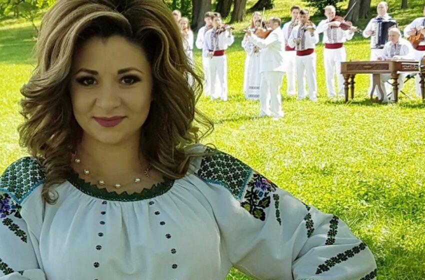 """Interpreta de muzică populară Cristina Ceauș a devenit mămică pentru a treia oară: """"Doamne, mi-ai dat o prietenă pe viață!"""""""