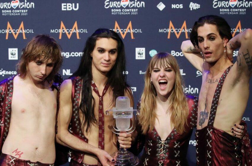 FOTO Dezbrăcați de inhibiții! Câștigătorii Eurovision 2021 s-au afișat goi în fața la aproape 6 milioane de urmăritori