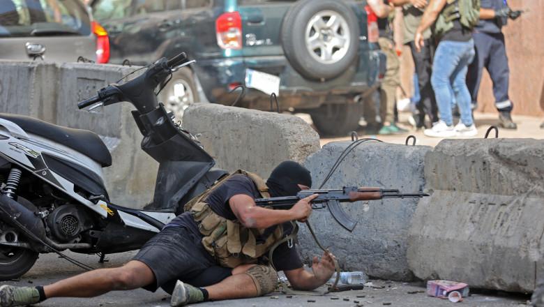 video/foto Scene de război civil pe străzile din Beirut. Cel puțin șase persoane au fost împușcate mortal