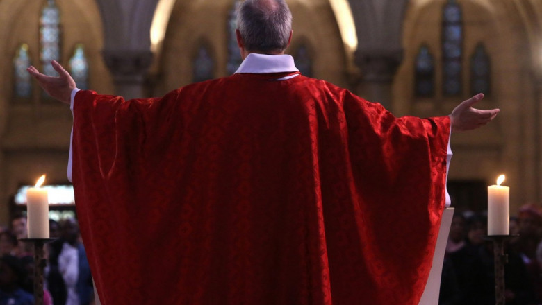 Investigație: Peste 200.000 de copii au fost abuzați sexual de preoți catolici francezi din 1950 și până astăzi