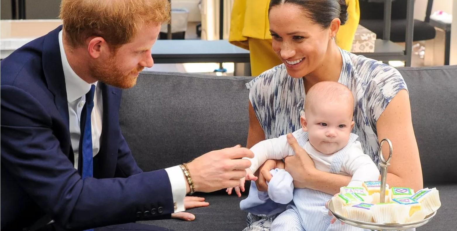 Primele imagini cu Meghan Markle și Archie după înmormântarea prințului Philip. Ce mare s-a făcut fiul lui Harry