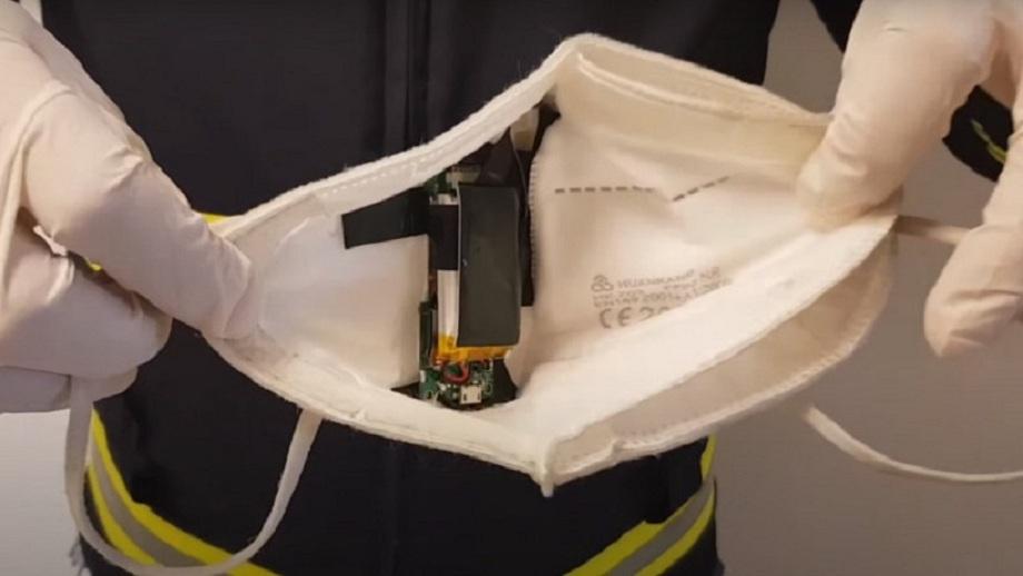 Un bărbat din Italia și-a pus o cameră video în mască pentru a copia la examenul de permis auto