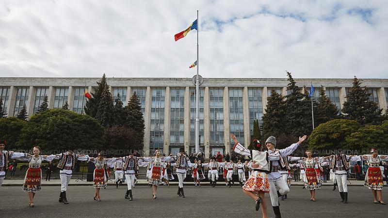Spectacole, expoziții, târguri și un regal muzical. Vezi programul evenimentelor dedicate Hramului Chișinăului