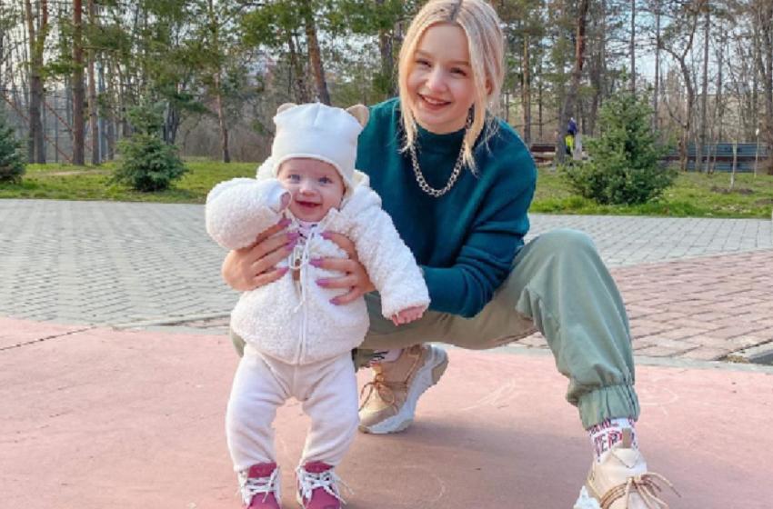"""Experienta de a fi mamică i-a reorganizat viața! Daniela Costețchi: """"Într-adevăr, primele trei luni sunt mai grele"""""""