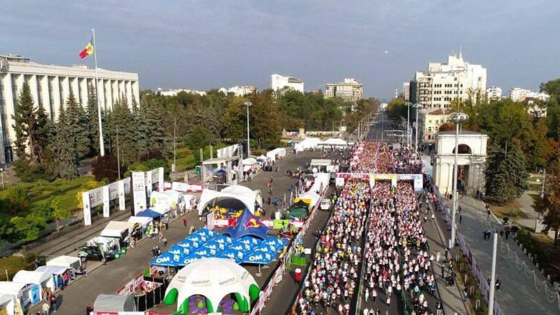 La Maratonul Internaţional din Chişinău au participă două mii de persoane, din 26 de ţări