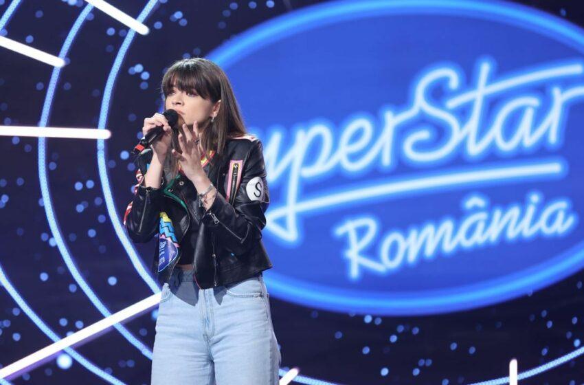 """(VIDEO) Carla's Dreams, fermecat de o concurentă la SuperStar: ,,Ești strașnic de frumoasă! Semeni foarte tare cu cineva drag mie"""""""