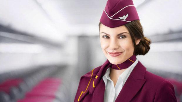 (FOTO) Stewardesele nu vor mai purta tocuri și fuste creion. Cum arată noua uniformă pentru însoţitorii de zbor