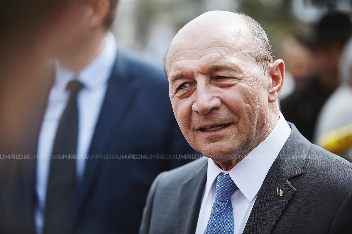 traian-basescu-cere-demisia-ministrului-de-externe-al-rom