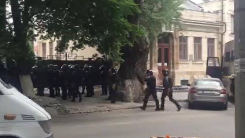 "В центр Кишинева стягивают бригады ""Fulger"""