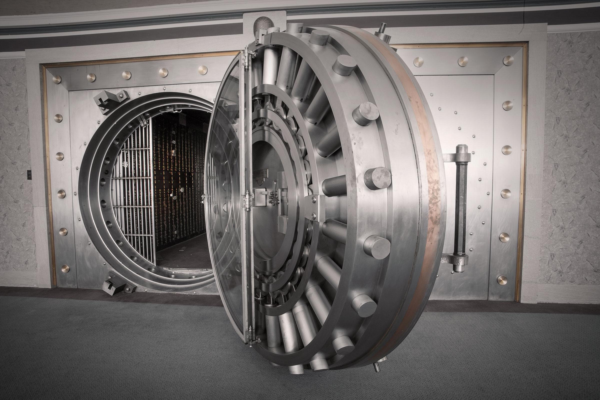 bogatii-lumii-revin-la-metodele-de-securitate-de-moda-veche-i